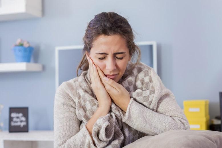 заговорить больной зуб