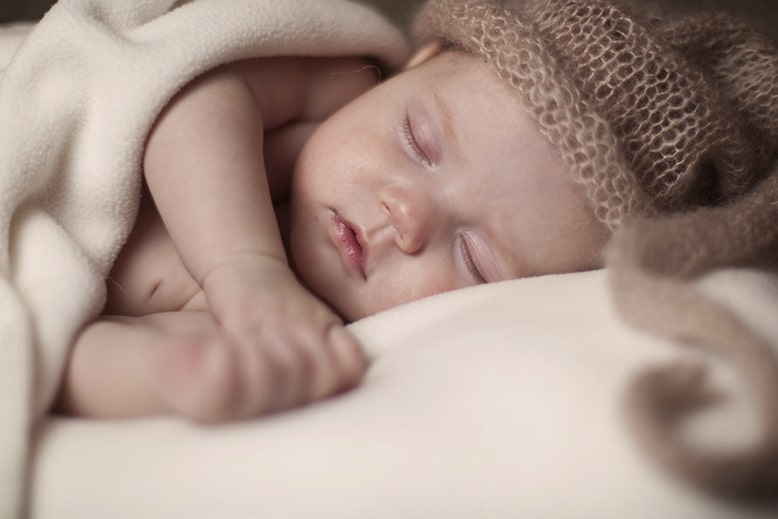 Как уберечь младенца от сглаза